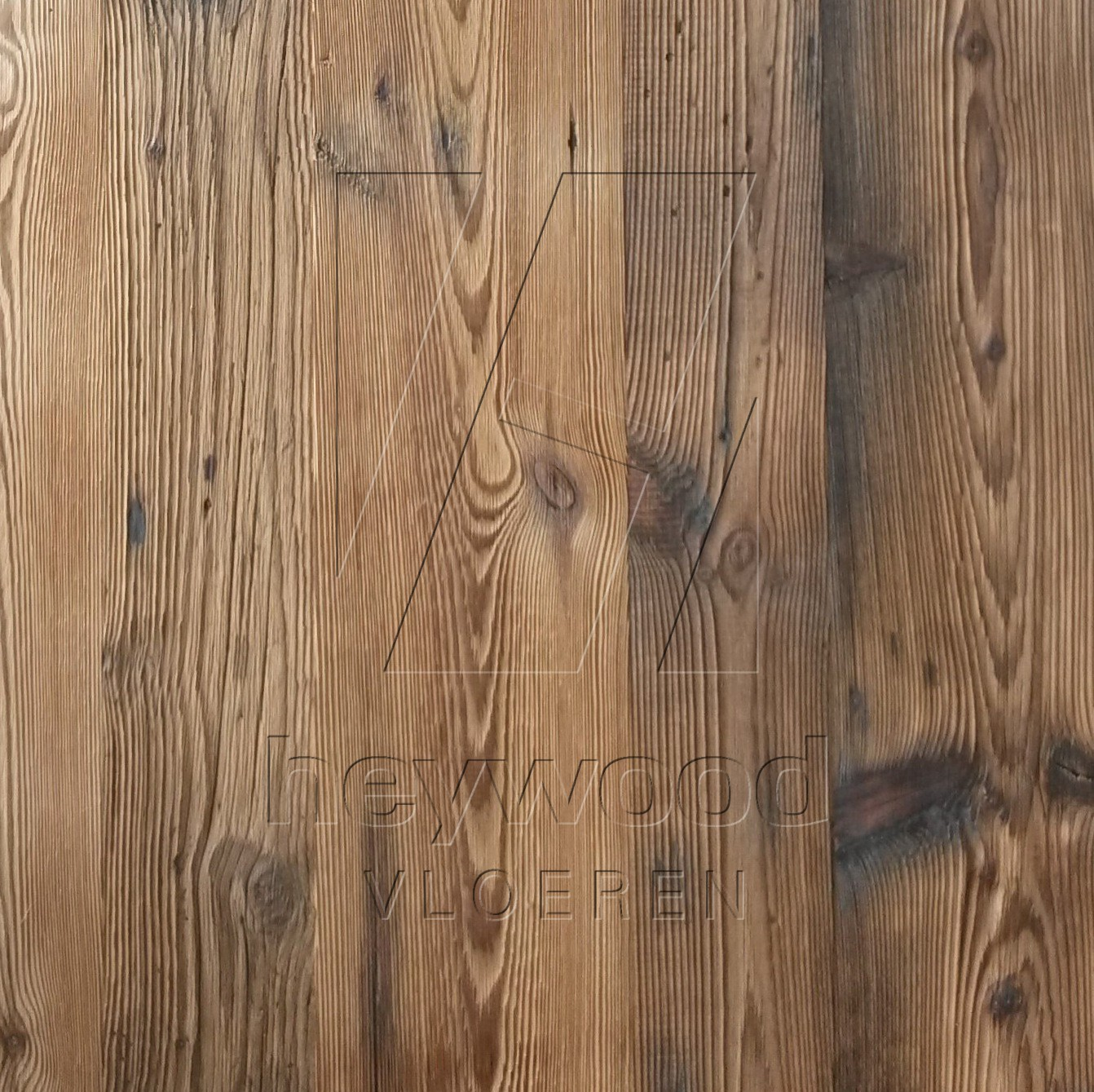 Carinthia Barnwood Plank (mixed widths, 80 years old Spruce, brushed outsides) in Plank OUTSIDES (authentic textured surface) of Old Reclaimed Wood