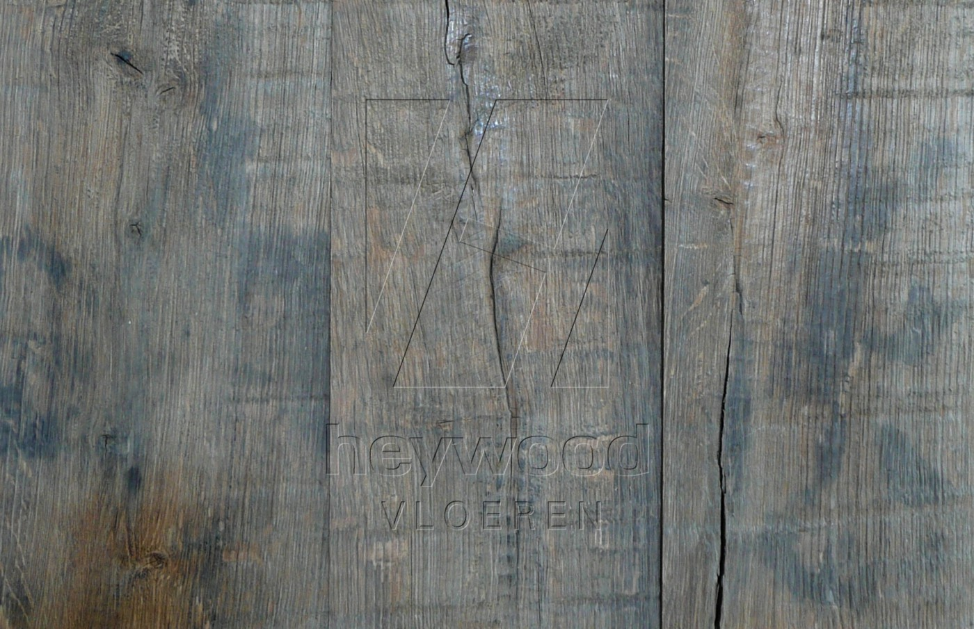 Bordeaux (some close-up reference boards) in Plank OUTSIDES (authentic textured surface) of Old Reclaimed Wood