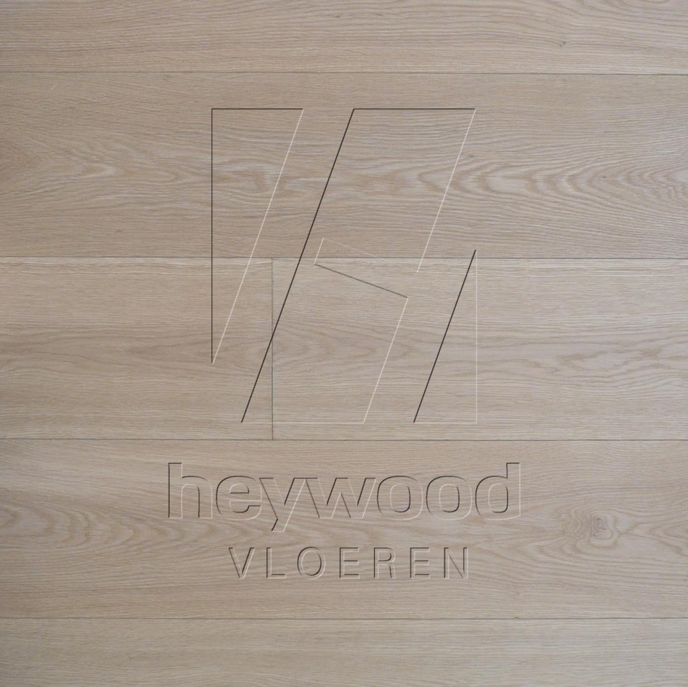 Virgin (invisable look) in European Oak Elegance of Bespoke Wooden Floors