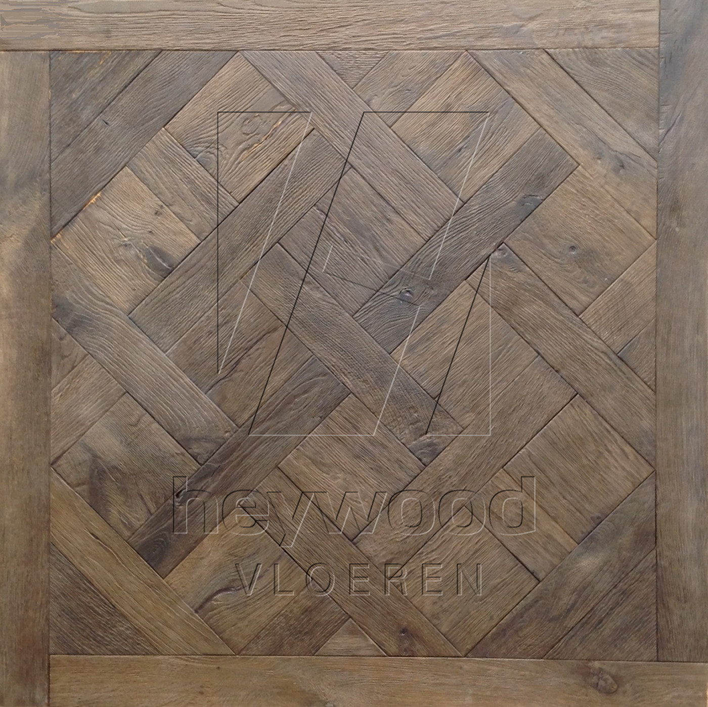 Bespoke Versailles Antique (Brushed & Reactive Stained) in Floor Panels & 3D Wall Panels of Pattern & Panel Floors