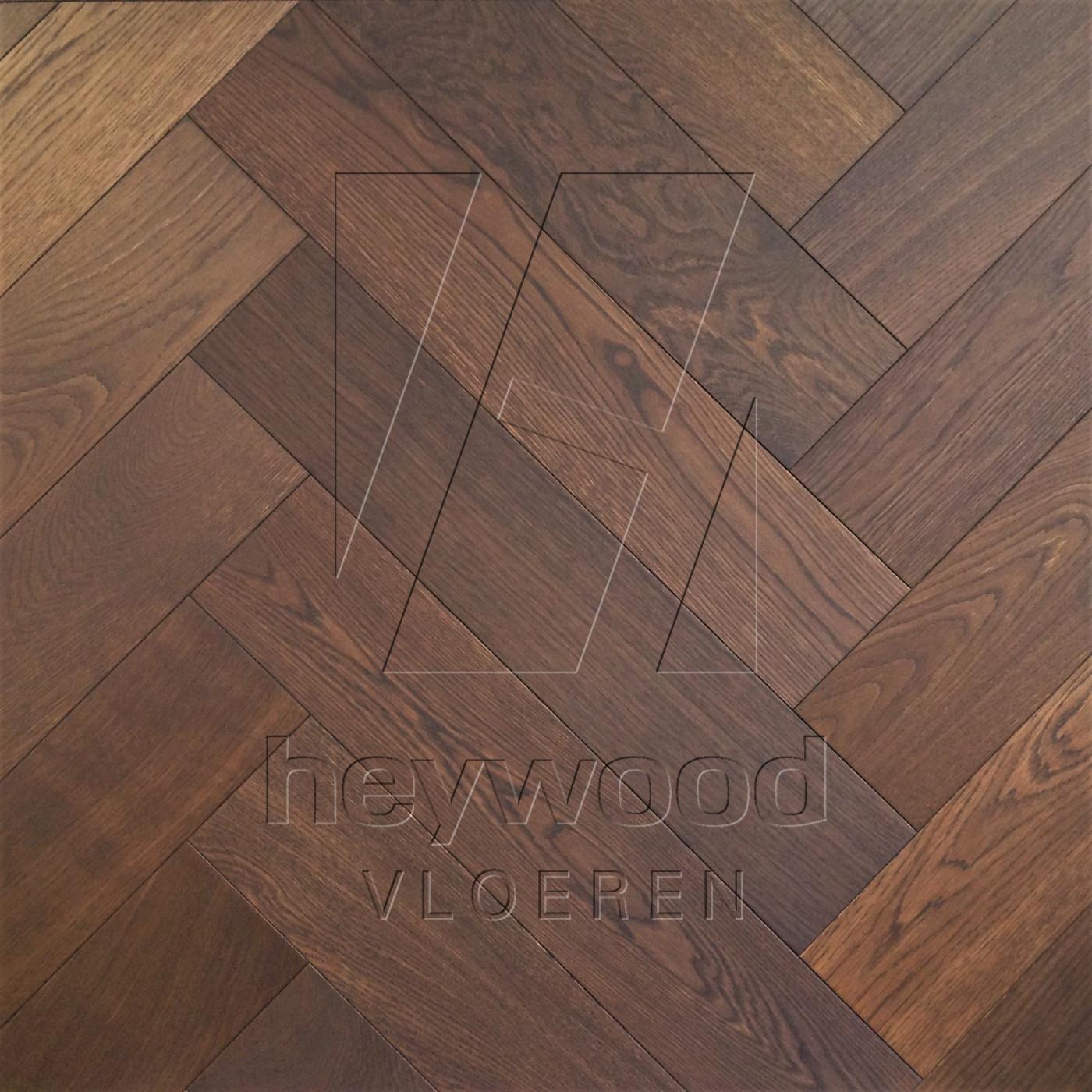Herringbone Oak Ebony in Herringbone of Pattern & Panel Floors