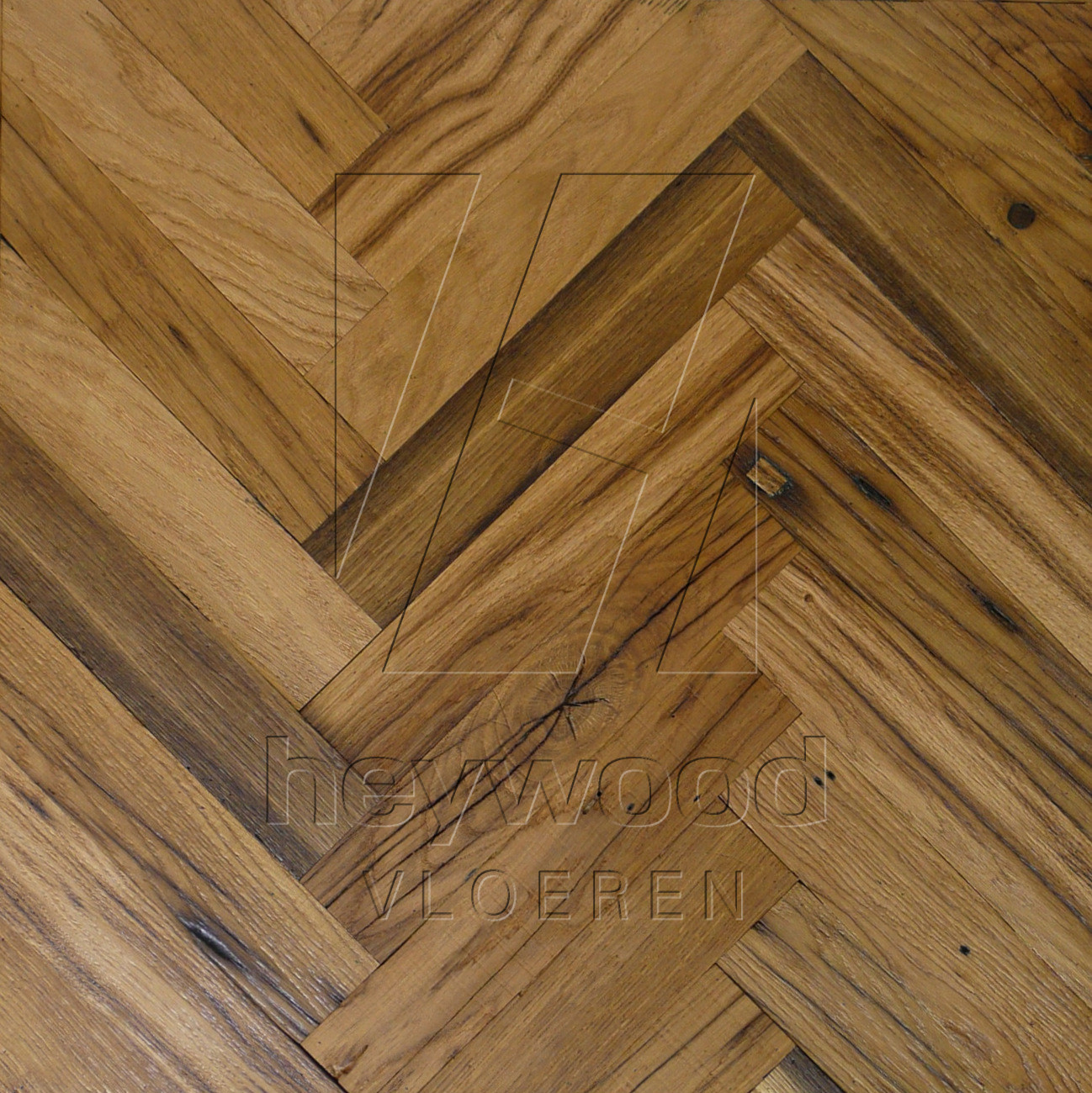 Provence Herringbone 120x600mm (Osmo oiled), 200 years old Reclaimed Oak, Inside in Pattern & Panels (Outsides / Insides) of Old Reclaimed Wood