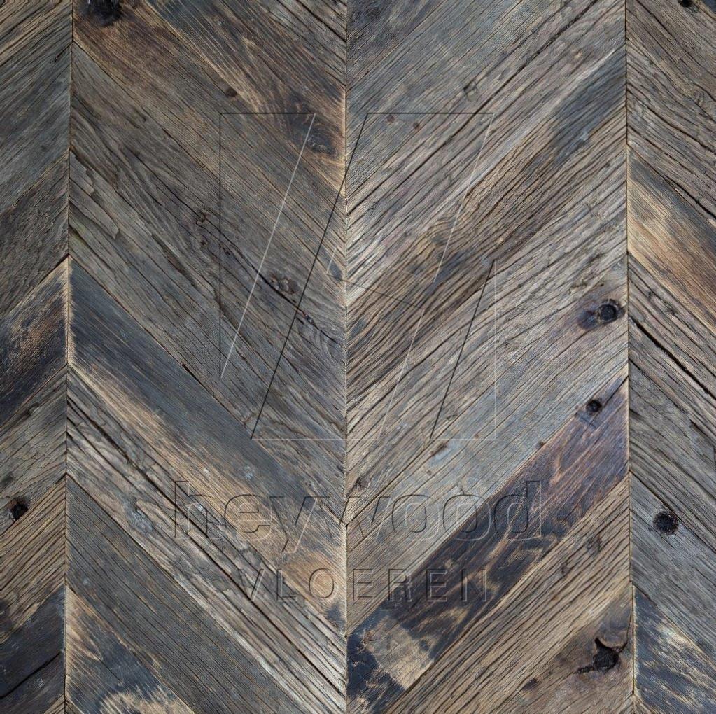 Bordeaux Chevron (80 years old Reclaimed Oak, Outside) in Pattern & Panels (Outsides / Insides) of Old Reclaimed Wood