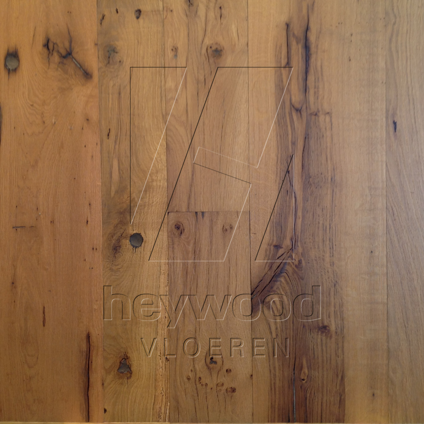 Provence Oiled RMC Pure (Reclaimed 200 years old Oak, Insides) in Plank INSIDES (Brushed 2nd cut) of Old Reclaimed Wood