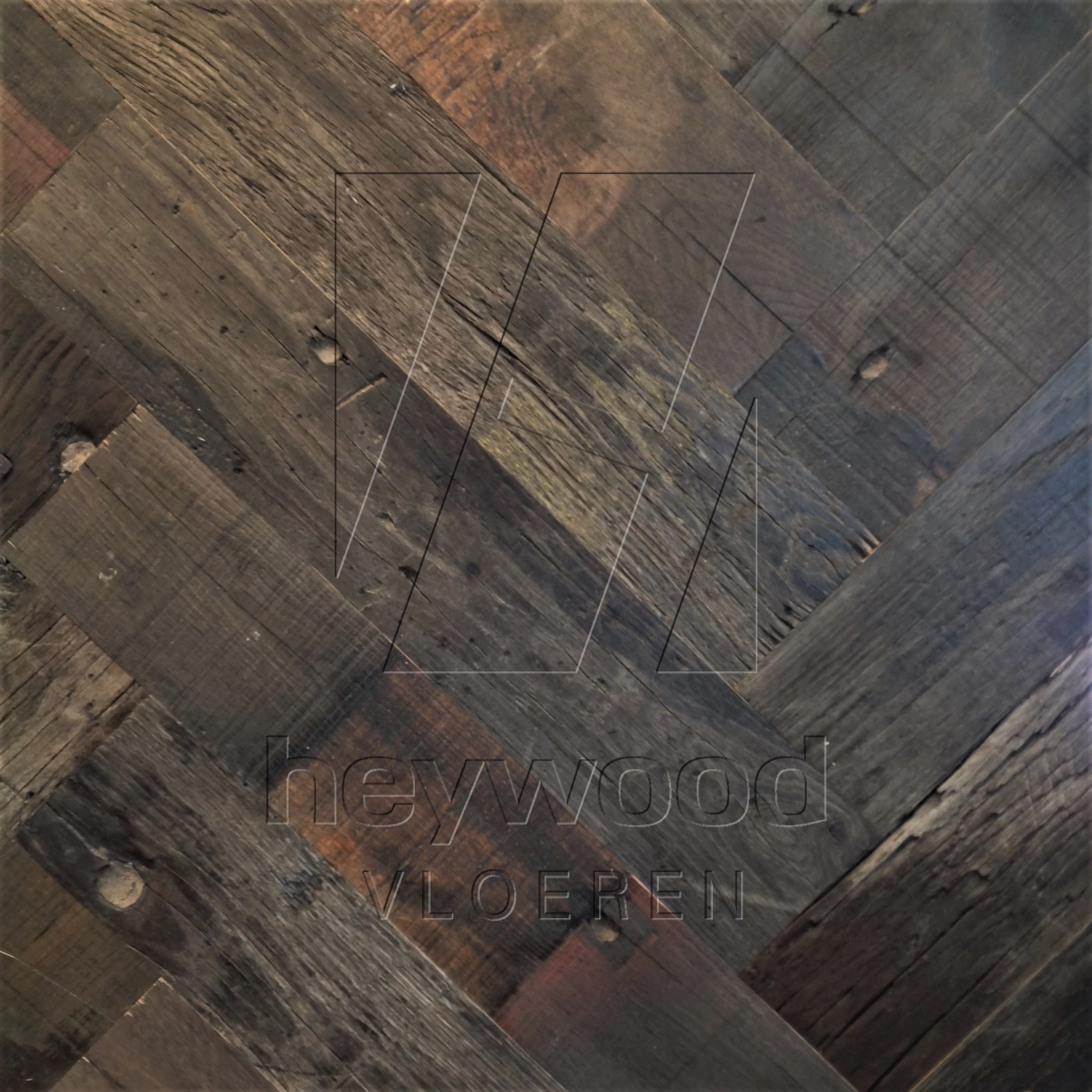 Bordeaux Herringbone (80 years old Reclaimed Oak, Outside) in Pattern & Panels (Outsides / Insides) of Old Reclaimed Wood