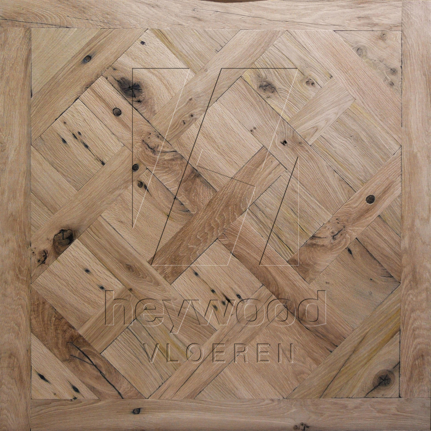 Reclaimed Versailles 'Stellenbosch' (unoiled) in Pattern & Panels (Outsides / Insides) of Old Reclaimed Wood