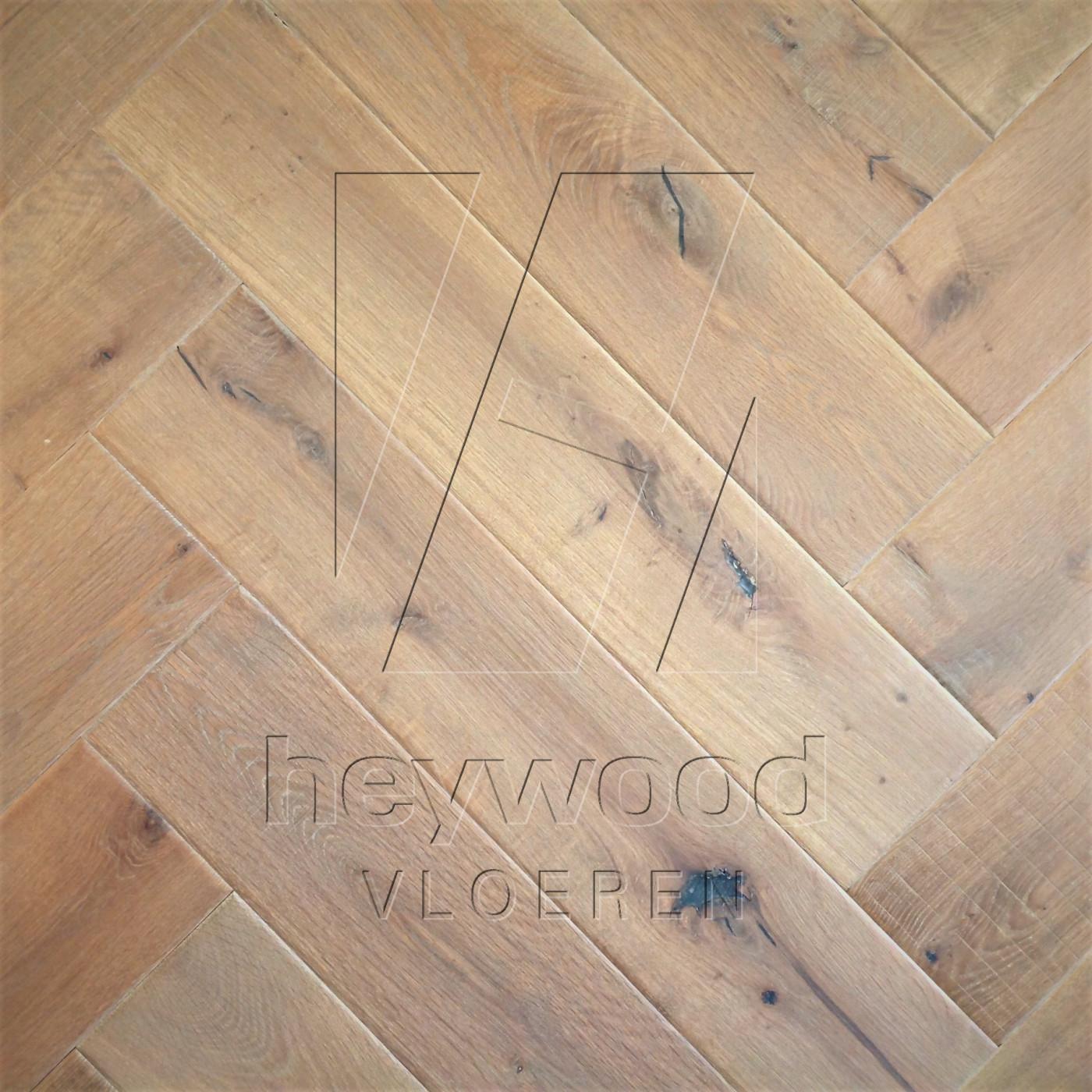 Shrunk Herringbone 'Vanoise' in Herringbone of Pattern & Panel Floors